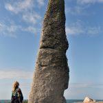 Der Menhir von Plouescat ist ein eindrucksvoller Koloss. @ Klaus W. Schmidt