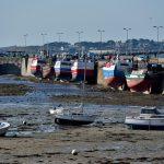 Trawler im alten Hafen von Roscoff bei Ebbe. @ Klaus W. Schmidt