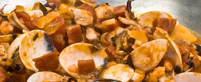Cataplana mit Schweinefilet und Meeresfrüchten, Ausschnitt
