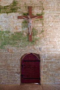 Die Kirche Notre Dame de Tronoën ist innen im Gegensatz zu den meisten anderen Calvaires sehr einfach und nüchtern ausgestattet