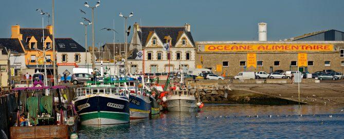 Im Fischereihafen von St. Guénolé
