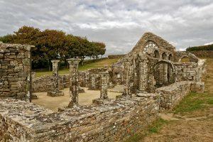 Viele der Steine der Kapelle wurden in der Vergangenheit abgebaut, um anderswo Verwendung zu finden
