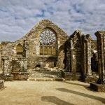 Im Hauptschiff der Blick zur Rosette und vermutlich in Richtung des Platzes, an dem einst der Altar stand