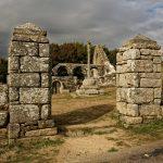 Der Zugang zur Ruine der Chapelle de Languidou