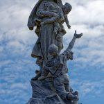 Die Skulptur 'Notre-Dame des Naufrages' selbst ist eineinhalb Meter hoch.