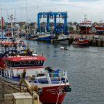 Im Hafen von Le Guilvinec als einem der größten und wichtigsten Fischereihäfen der Bretagne ist ordentlich was los