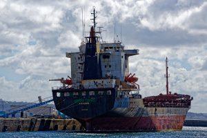 Auf der Suche nach dem Océanopolis entdeckt: Ein Schiff wird abgewrackt