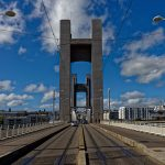 Die Hubbrücke 'Pont de la Recouvrance'. Erst seit dem Jahr 2010 können hier Straßenbahnen fahren