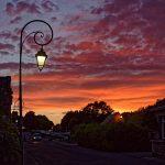 Sonnenuntergangsstimmung in Locronan - Vincent van Gogh lässt grüßen