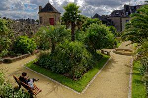Wie der Name 'Jardin de la Retraite' bereits aussagt, erholen sich hier die Menschen vom Alltagsstress