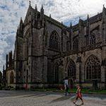 Die Cathédrale Saint-Corentin in Quimper gehört zu den ältesten Kathedralen in der Bretagne
