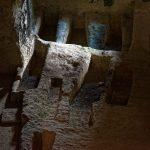 Grabkammern in einem Seitengang