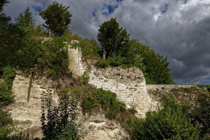 Unter diesem Felsen verbirgt sich die Kirche