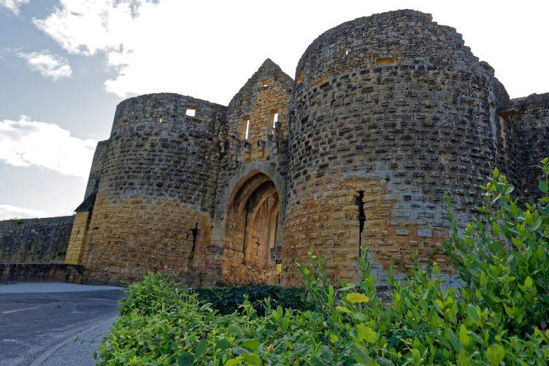 Die Porte des Tours, das Wahrzeichen von Domme