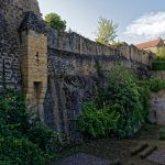 Die Stadtmauer an der Porte des Tours. Sie befindet sich auf der von der Dordogne abgewandtenSeite