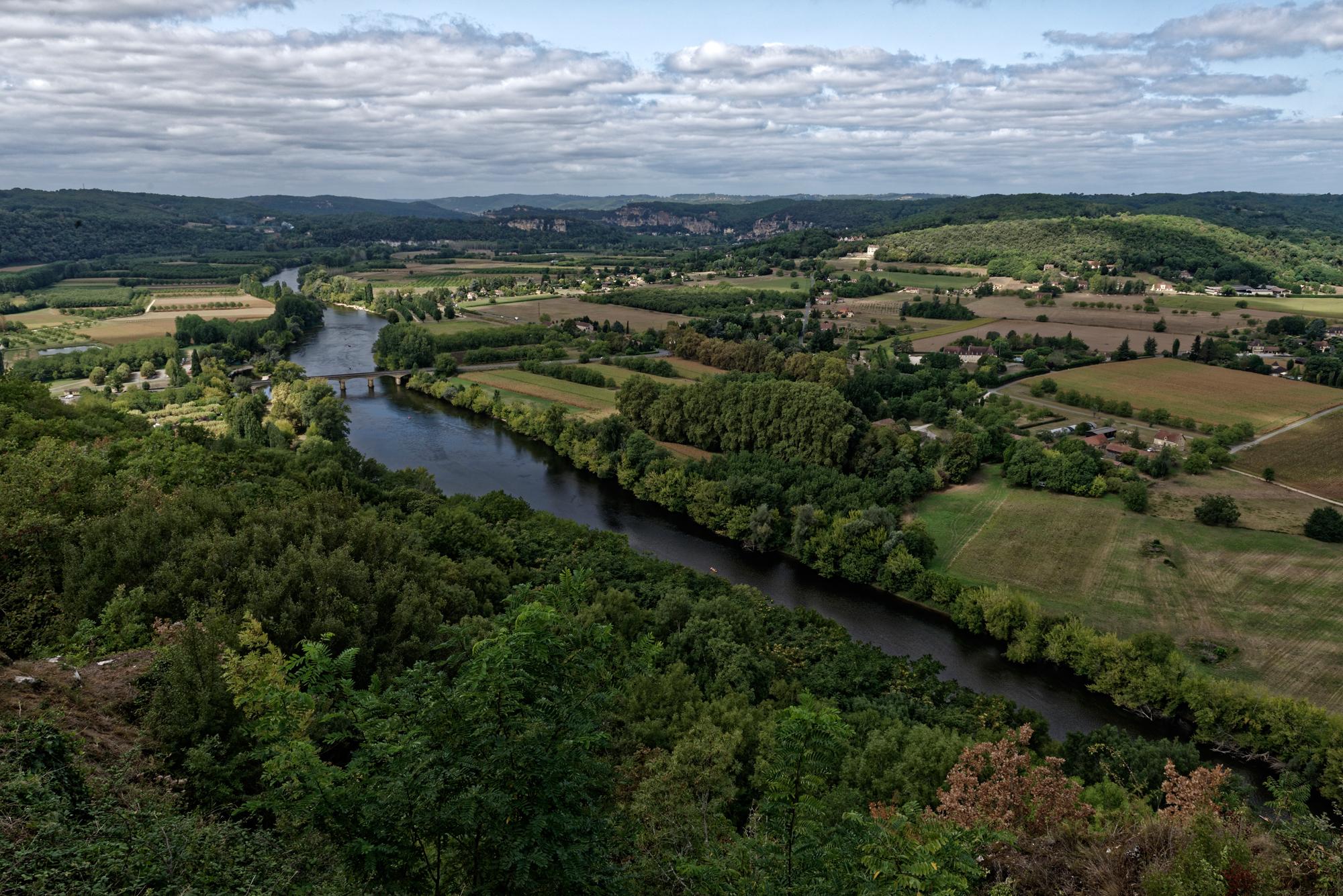 Hoch über der Dordogne gelegen