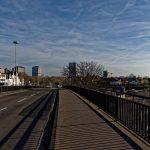 Rechts neben der Reuterbrücke ensteht der Neue Kanzlerplatz mit voraussichtlich Einhundert-Meter-Hochhaus