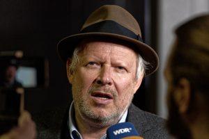 Axel Milberg im Interview mit einem WDR-Team