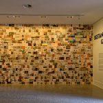 Am Eingang in die Bestandsaufnahme Miniaturen der Bilder als Collage