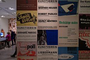 Plakate zu den Ausstellungen nach dem Krieg