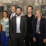 Von links nach rechts: Sinje Irslinger (Marie), Alessija Lause (Trulla), Moritz Führmann (Bitz), Fritz Karl (Falk), Peter Stauch (Regisseur Folgen 3 bis 6), Mira Bartuschek (Sophie Offergeld) und Peter Güde (Drehbuchautor)